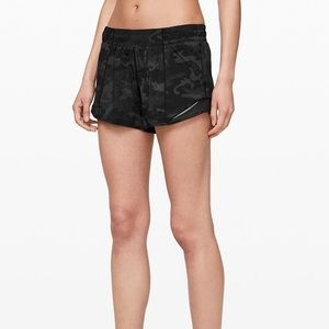 Lululemon Hotty Hot Short 4""